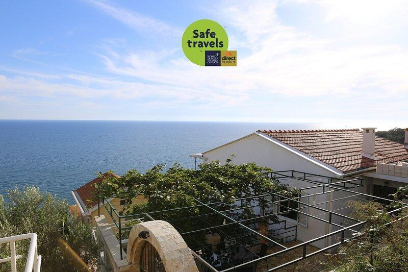 Seaview Apartment Hana - Two bedroom apartment, holiday rental in Ulcinj