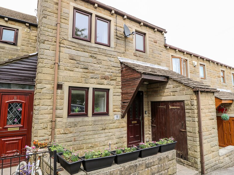 Duck Egg Cottage, Haworth, holiday rental in Laycock