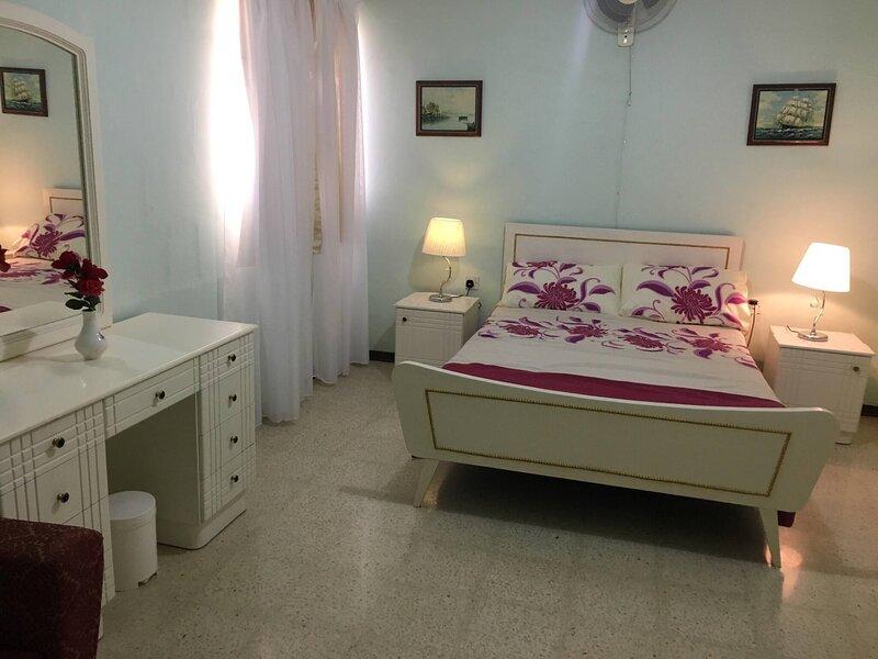 Ground Floor Maisonette In Birzebbugia, location de vacances à Zurrieq
