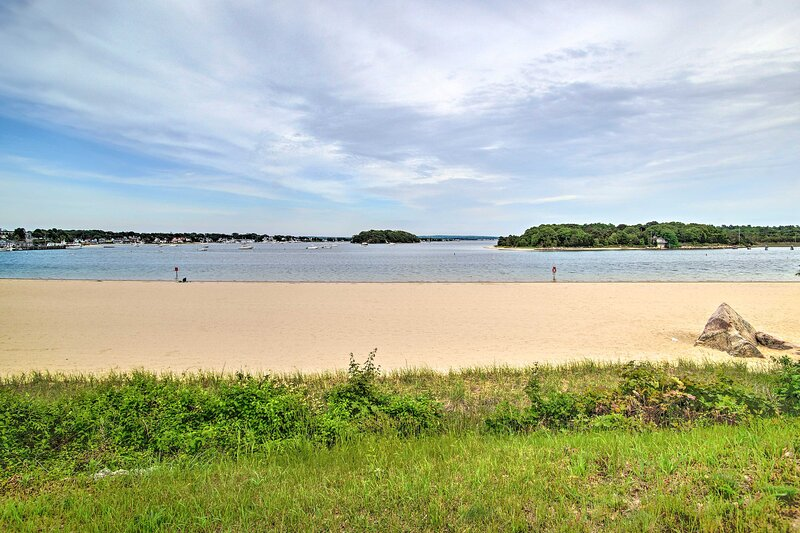Nearby Attractions   Onset Beach   Walking Distance