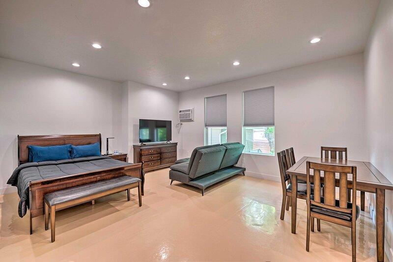 NEW! Salt Lake Studio 5 Miles to Capitol Building, location de vacances à West Valley City
