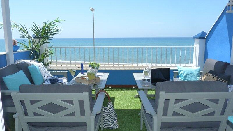 Big house with sea view & terrace, aluguéis de temporada em Macharaviaya