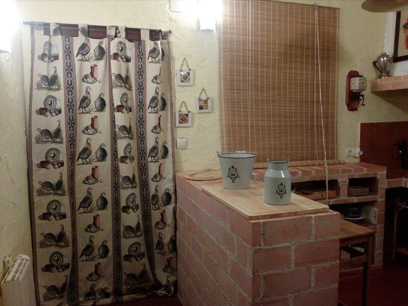 Casa Mundi, vacation rental in Navahermosa