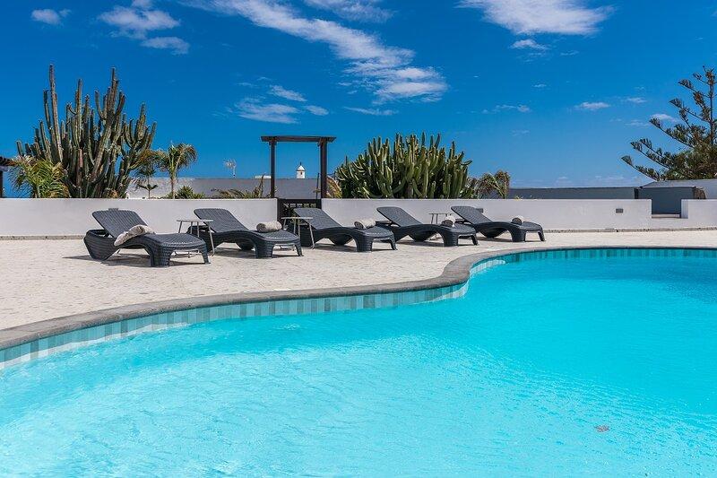 Casa Relajarse-New to market offering spacious and luxurious accommodation, alquiler de vacaciones en Lanzarote