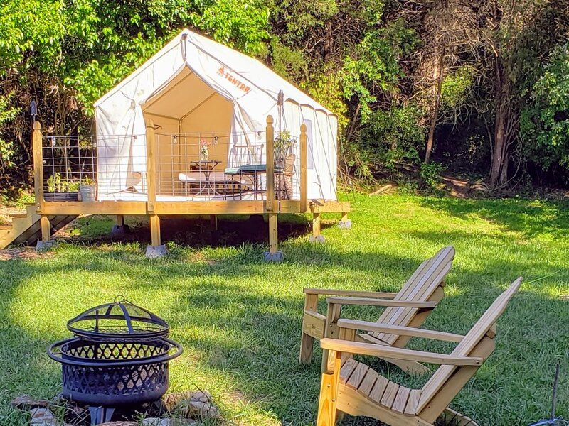 Tentrr Signature Site - 'Autumn Olive' at Evensong Farm, vacation rental in Sharpsburg