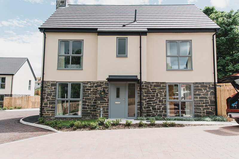 Contemporary four bedroomed holiday rental, Craster, garden pets, wifi, parking, alquiler vacacional en Craster