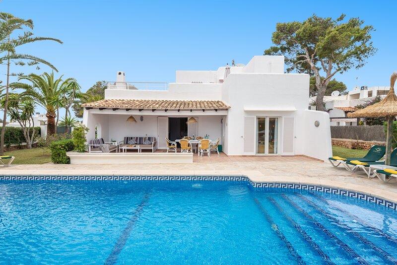 ¡Ideal Villa Teresa a 150m de la playa en Cala D'Or!, vacation rental in Felanitx
