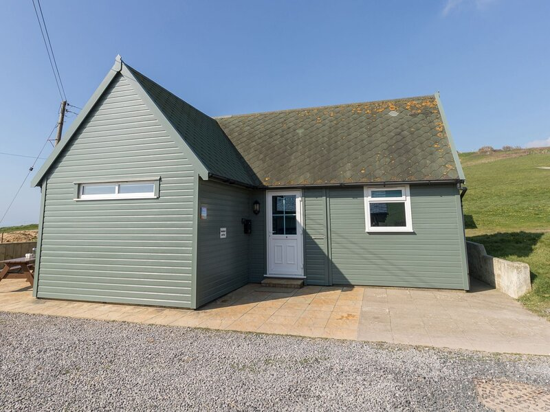 Sandpiper Chalet, Eype, vacation rental in West Bay