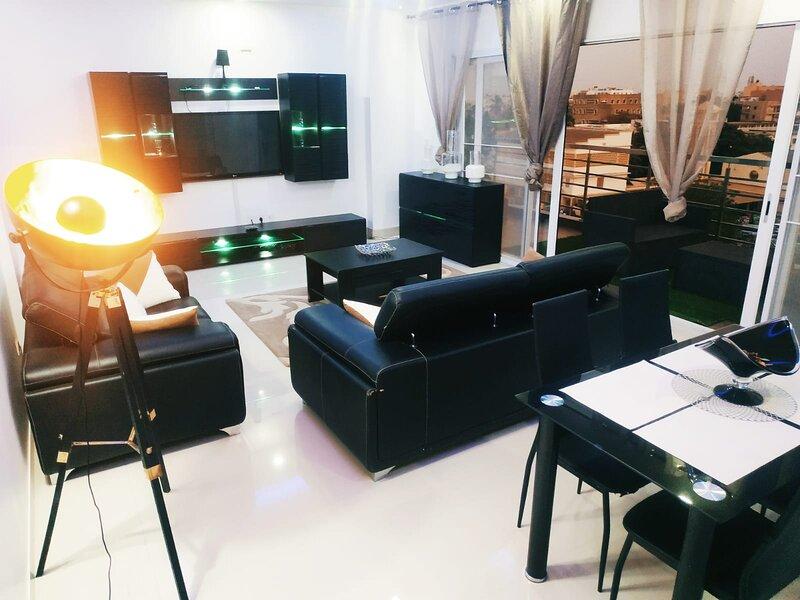 Appartement meublé Dakar : avenue Cheikh Anta Diop, aluguéis de temporada em Região de Dakar