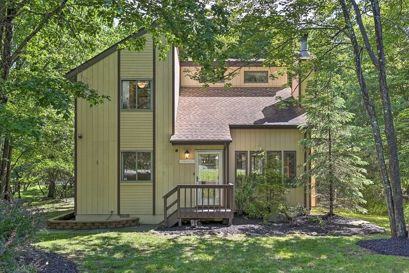 NEW! Emerald Lakes Getaway w/ Community Amenities!, holiday rental in Tunkhannock Township