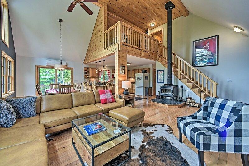 NEW! Rustic North Creek Getaway ~ 4 Mi to Gore Mtn, holiday rental in Minerva