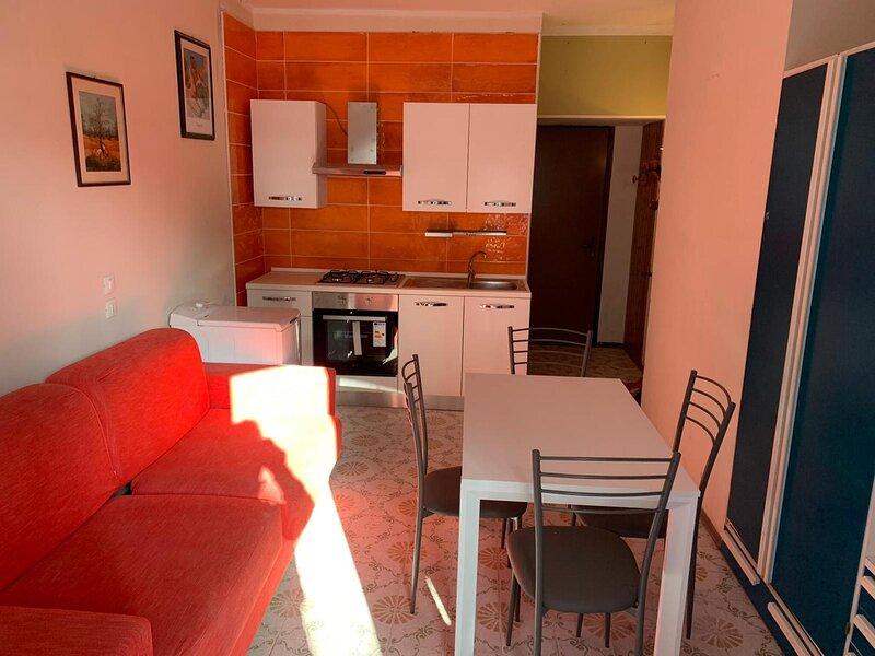 Bilocale Jesolo Pineta giardino e parcheggio privato, aluguéis de temporada em Jesolo