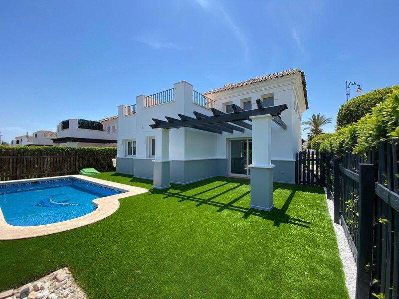 Casa Del Amor, prime location with private pool, alquiler de vacaciones en Murcia