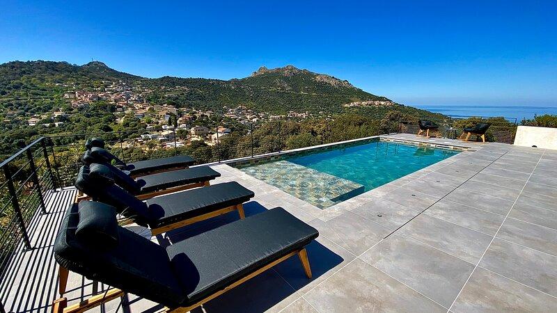 VILLA CORSA**** à lIle Rousse piscine vue mer panoramique, casa vacanza a Sant'Antonino