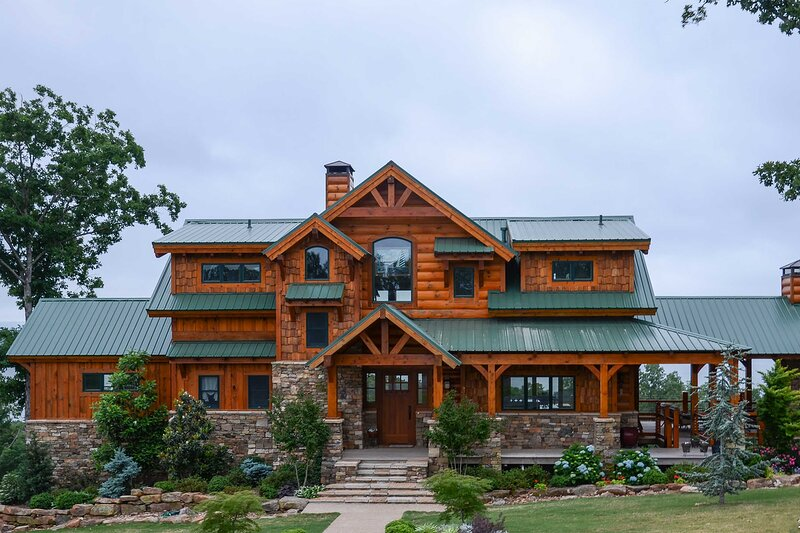 Luxury Family Retreat - Greers Ferry Lake!, holiday rental in Shirley