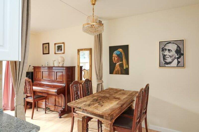 Classic g/floor apartment w/patio, alquiler de vacaciones en Roedovre Municipality