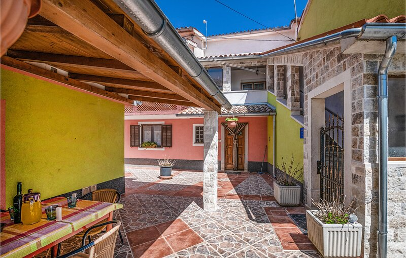 Awesome home in Zminj with WiFi and 2 Bedrooms (CIC121), holiday rental in Foli