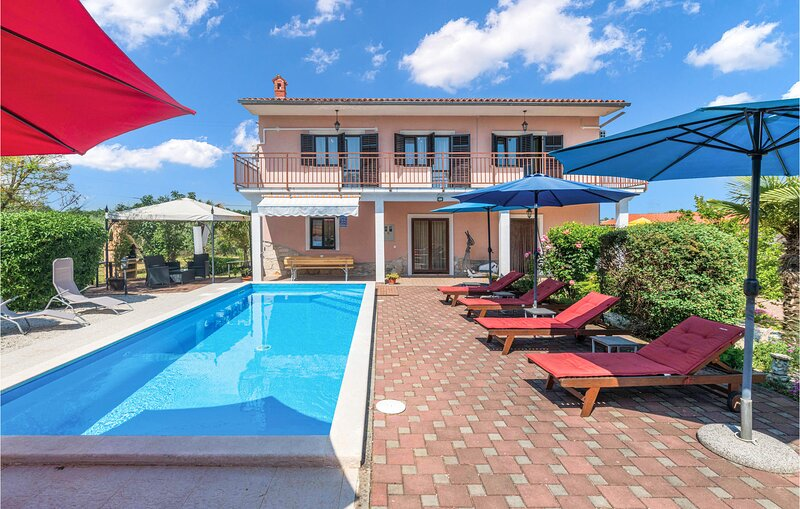 Awesome home in Marcana with WiFi and 3 Bedrooms (CIL946), holiday rental in Divsici