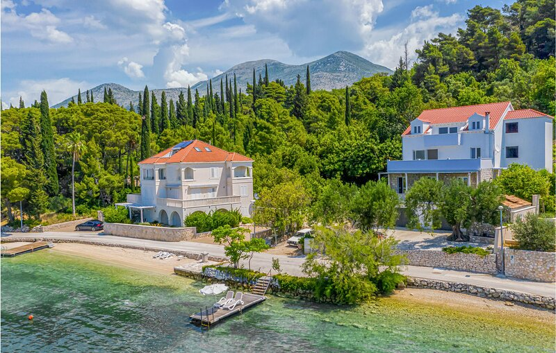 Nice home in Slano with WiFi and 3 Bedrooms (CDD543), vacation rental in Sipanska Luka