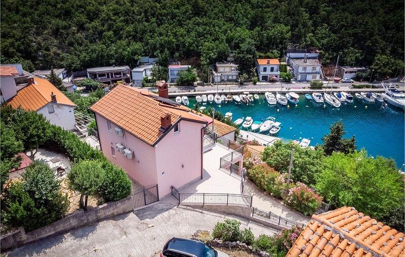 Awesome home in Jadranovo with 5 Bedrooms (CKC095), casa vacanza a Jadranovo