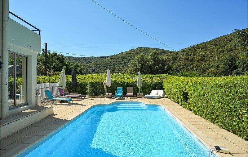 Nice home in Les Salles du Gardon with WiFi and 3 Bedrooms (FLG708), holiday rental in Les Salles-du-Gardon
