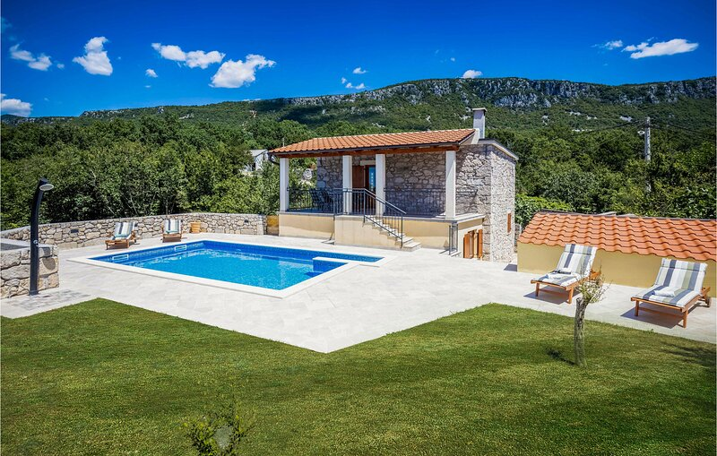 Amazing home in Barci with WiFi and 2 Bedrooms (CKC579), holiday rental in Grizane-Belgrad