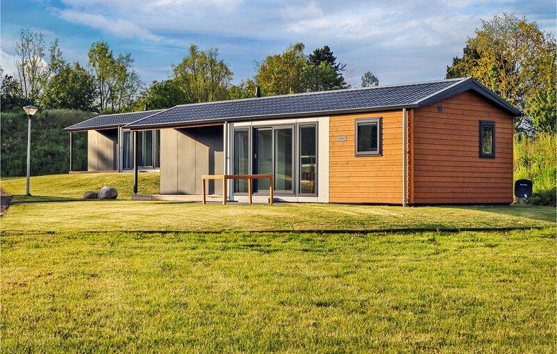 Amazing home in Süsel with WiFi and 2 Bedrooms (DSH058), aluguéis de temporada em Eutin