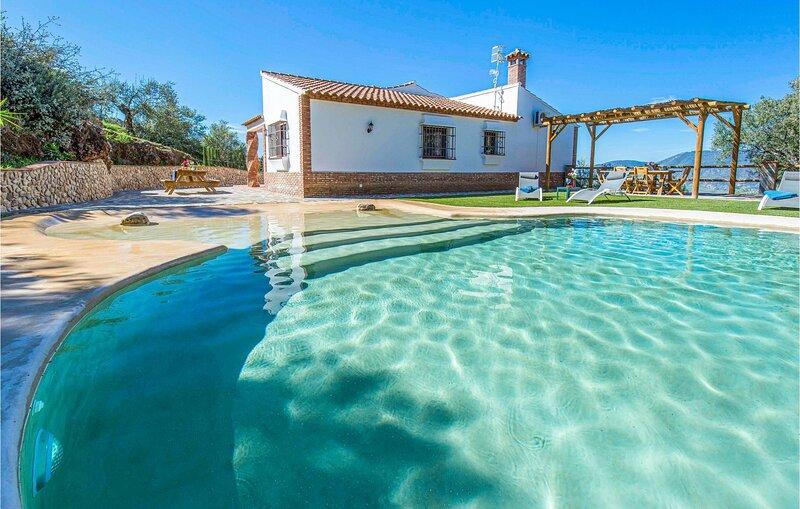 Amazing home in El Gastor with Outdoor swimming pool, Outdoor swimming pool and, holiday rental in El Gastor