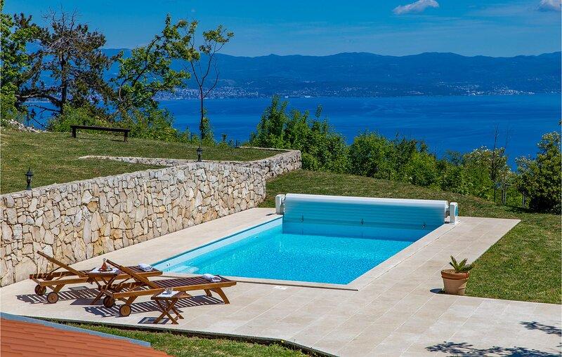 Amazing home in Moscenice with Outdoor swimming pool and 2 Bedrooms (CKO080), alquiler de vacaciones en Moscenicka Draga