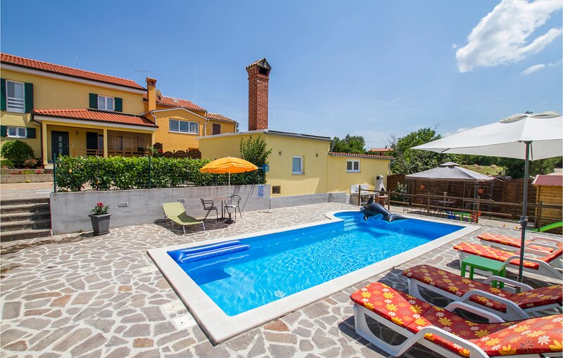 Awesome home in Labin with Sauna, WiFi and 2 Bedrooms (CIK716), holiday rental in Kunj