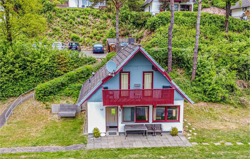 Stunning home in Kirchheim/Hessen with 3 Bedrooms (DHE136), aluguéis de temporada em Tann