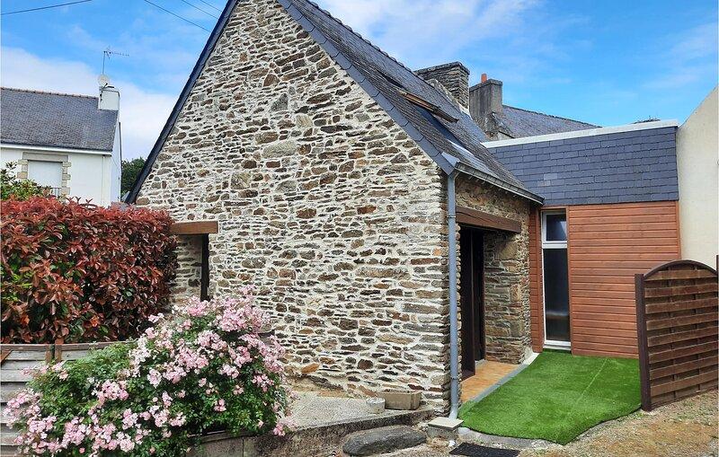 Nice home in Moelan sur Mer with 1 Bedrooms (FBF311), holiday rental in Riec-sur-Belon