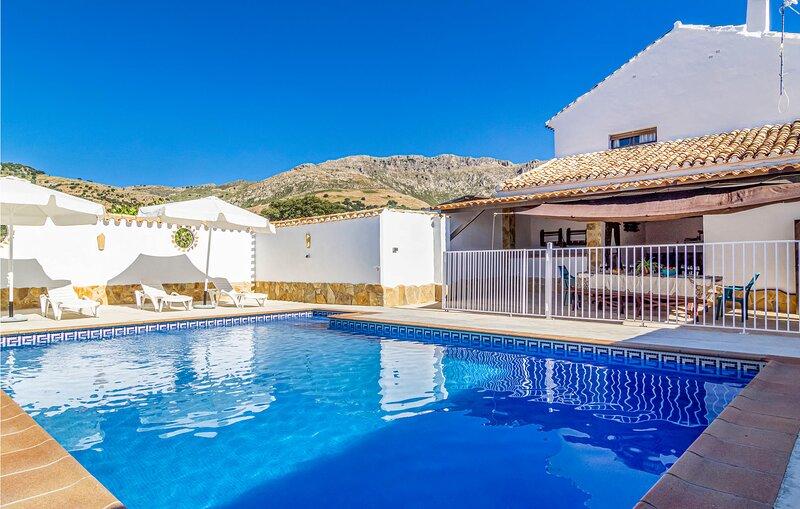 Priego De Cordoba - Fassade (EAC477), holiday rental in Algarinejo