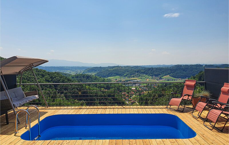 Awesome home in Krapinske Toplice with Sauna, WiFi and 2 Bedrooms (CCC084), holiday rental in Bedekovcina