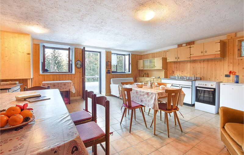 Nice home in Zuclo with 2 Bedrooms (IDD356), holiday rental in Bleggio Superiore