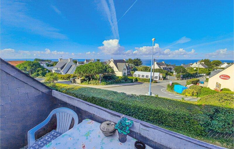 Stunning home in Clohars Carnoet with WiFi and 1 Bedrooms (FBF554), aluguéis de temporada em Le Pouldu