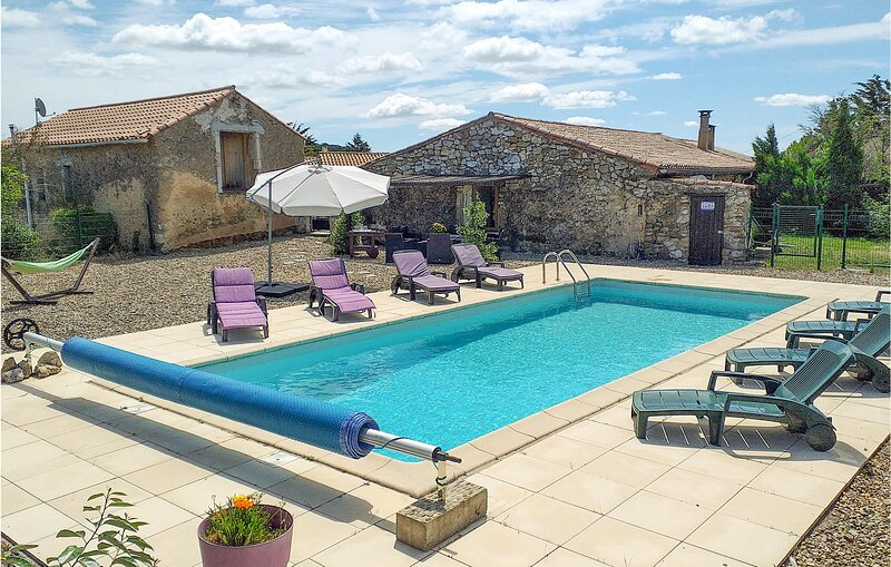 Nice home in Pardailhan with Outdoor swimming pool, Outdoor swimming pool and 4, holiday rental in Saint-Jean-de-Minervois