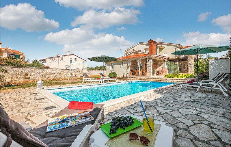 Luxe vakantiehuis aan prachtige natuurstranden (CIL601), holiday rental in Barbariga