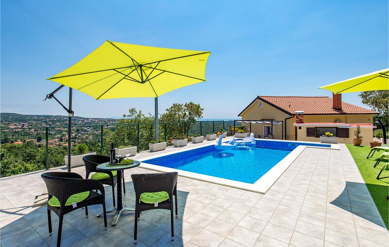 Amazing home in Kastav with Outdoor swimming pool and 2 Bedrooms (CKO571), holiday rental in Viskovo
