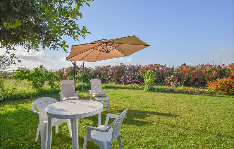 Nice home in Scicli with WiFi and 1 Bedrooms (ISR399), aluguéis de temporada em Cava d'Aliga