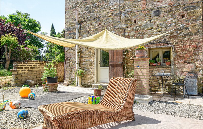 Beautiful apartment in Chianni with WiFi and 1 Bedrooms (ITP625), holiday rental in Terricciola