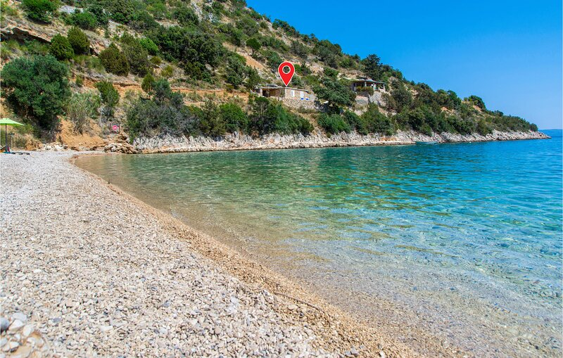 Awesome home in Bol with WiFi and 2 Bedrooms (CDB565), casa vacanza a Gornji Humac
