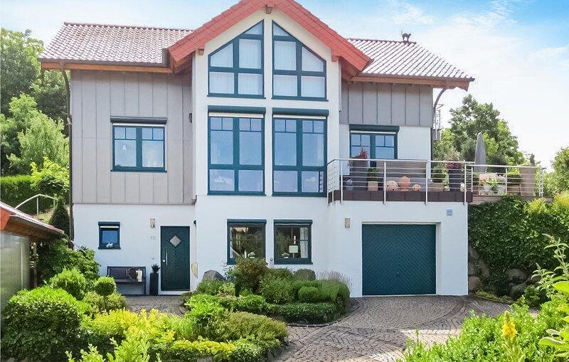 Beautiful home in Daun-Boverath with WiFi and 1 Bedrooms (DEI930), vacation rental in Daun