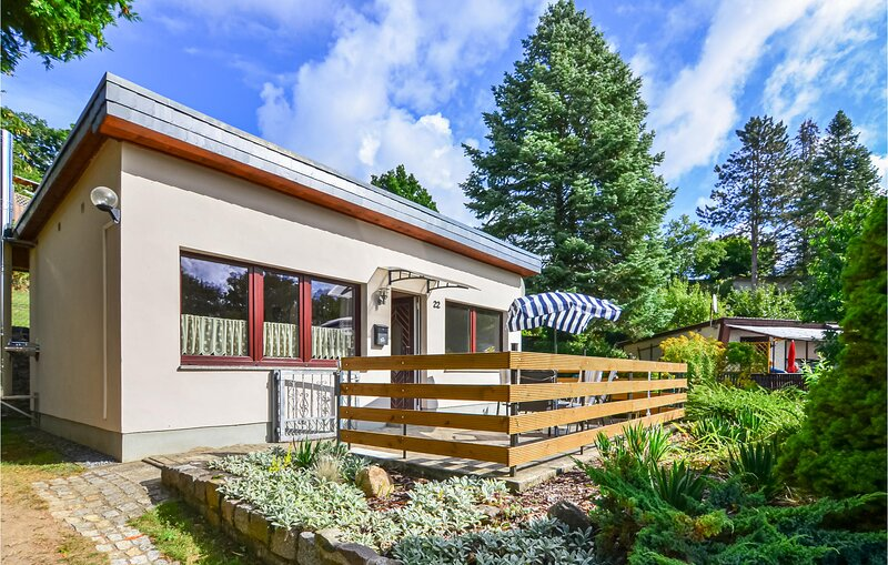 Awesome home in Klein Nemerow with 1 Bedrooms (DMV216), aluguéis de temporada em Neubrandenburg