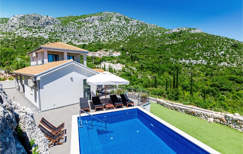 Nice home in Zaton with WiFi and 4 Bedrooms (CDD699), casa vacanza a Brsecine