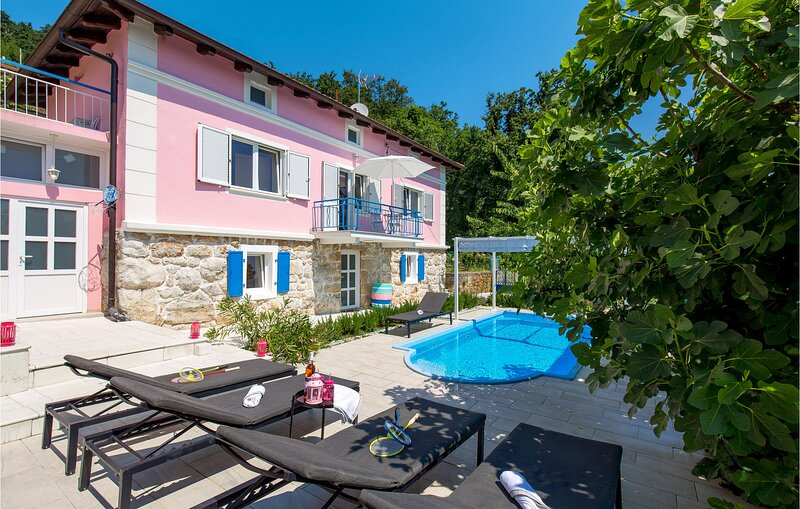 Stunning home in Lovran with Outdoor swimming pool and 4 Bedrooms (CKO049), holiday rental in Dobrec