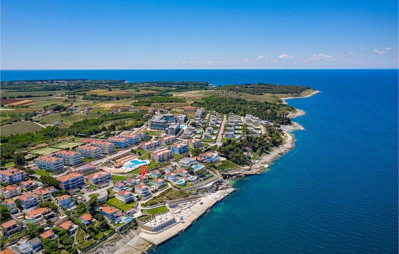 Comfort met een prachtig uitzicht (CIU300), alquiler de vacaciones en Crveni Vrh