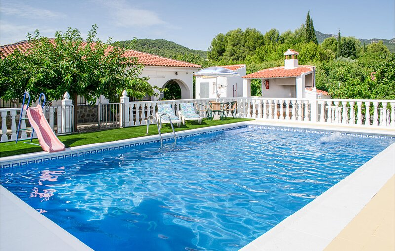 Stunning home in Moratalla with Outdoor swimming pool, Sauna and Outdoor swimmin, holiday rental in Caravaca de la Cruz