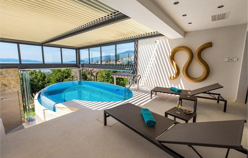 Beautiful home in Opatija with Outdoor swimming pool, Sauna and 4 Bedrooms (CKO8, location de vacances à Matulji