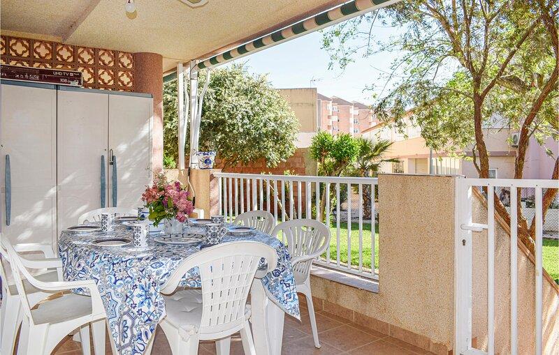 Stunning apartment in La Manga with WiFi and 3 Bedrooms (ECC859), alquiler de vacaciones en Cabo de Palos